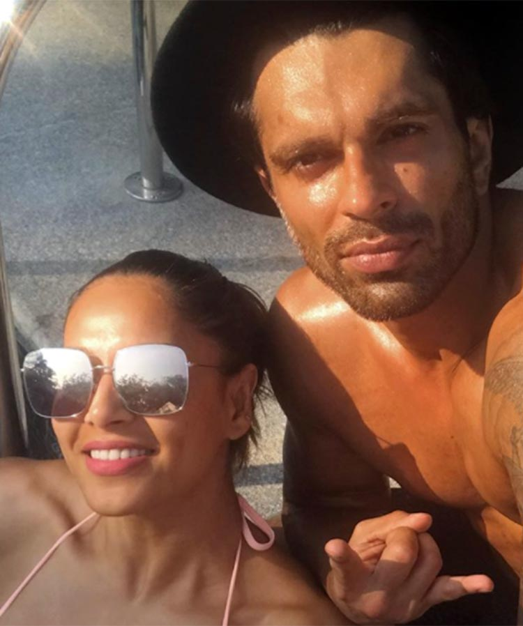 Bipasha Basu and Karan Singh Grover's hot selfie from Goa