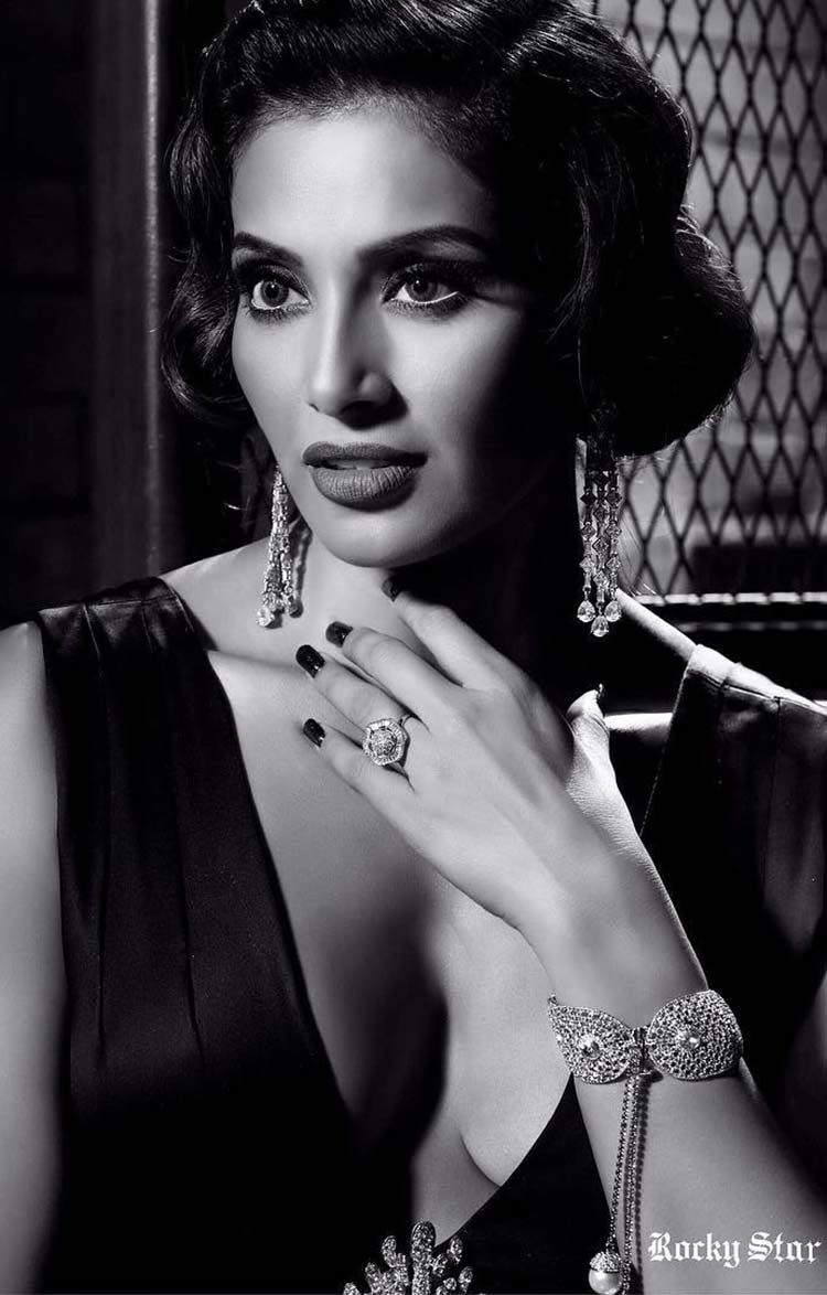 Bipasha Basu looks gorgeous on her latest photoshoot