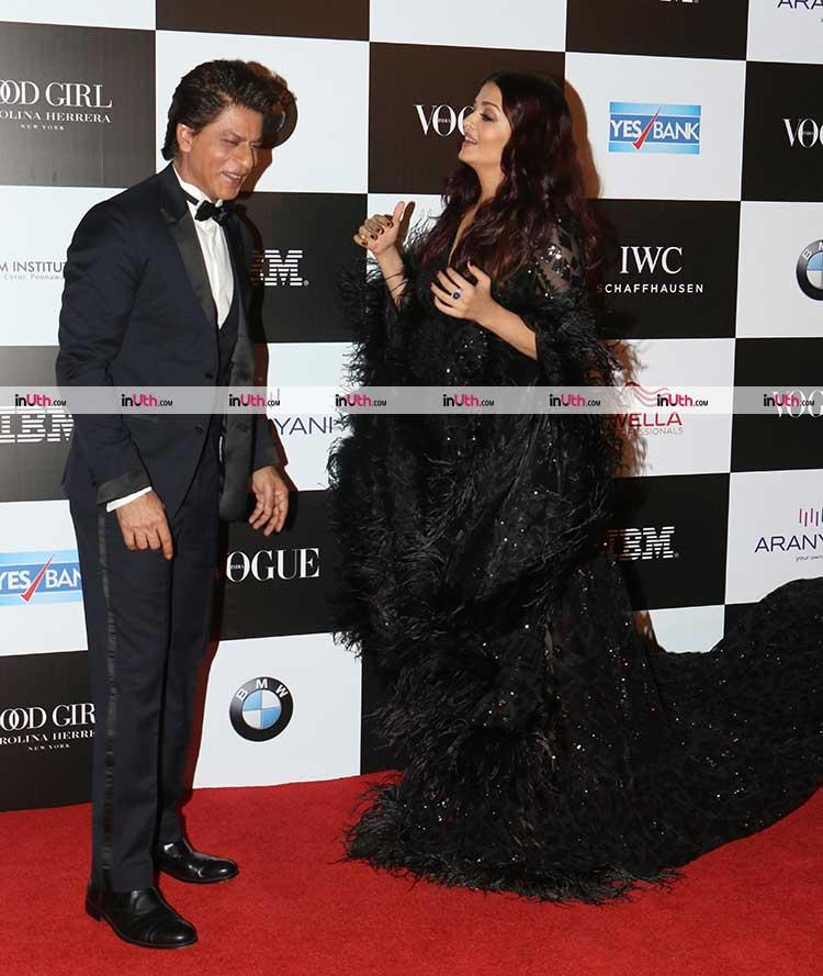 Shah Rukh Khan and Aishwarya Rai meet at a recent award ceremony