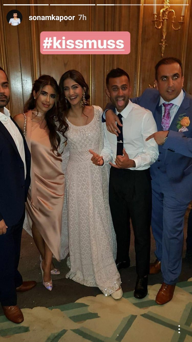 Sonam Kapoor and Anand Ahuja with bride Anooshe Mussarat
