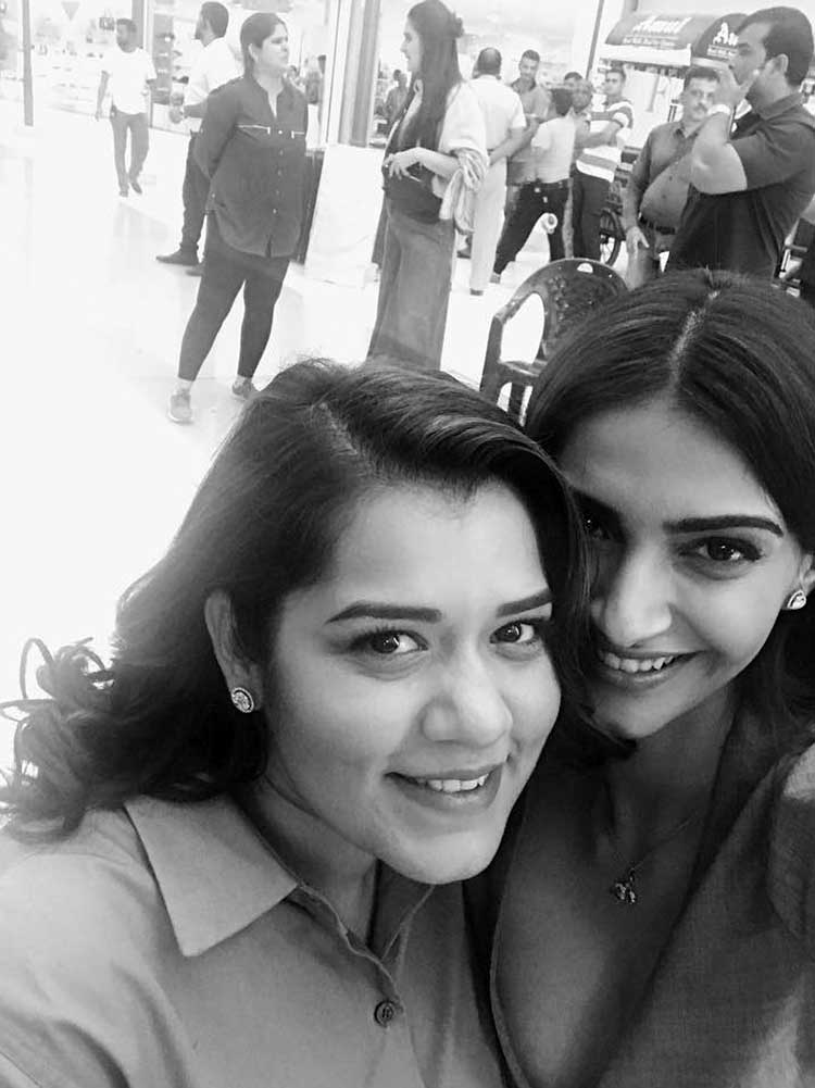 Sonam Kapoor with Shikha Talsania on Veere Di Wedding sets