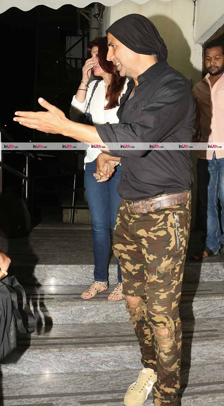Akshay Kumar and Twinkle Khanna's casual dinner date