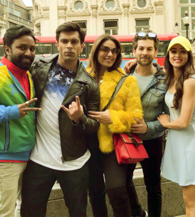 Bipasha Basu spending time with the cast of Karan Singh Grover's Firrkie