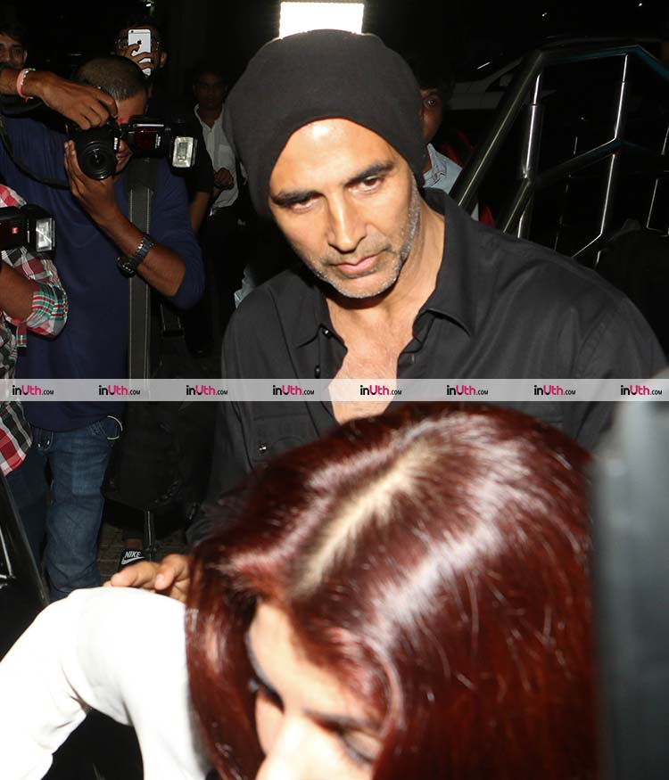 Akshay Kumar snapped after a dinner date with wife