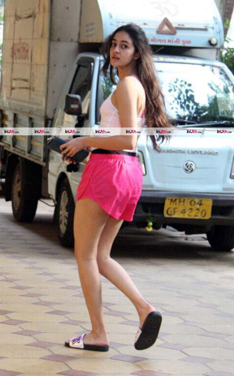 Ananya Pandey spotted chilling in Bandra on Sunday