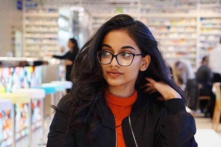 Banita Sandhu looks uber hot in this pic