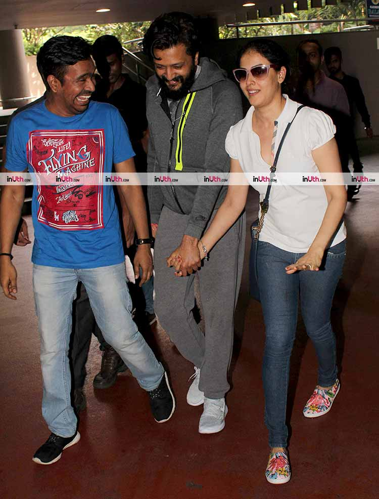 Genelia D'Souza and Riteish Deshmukh spotted with Mushtaq Sheikh