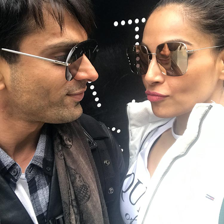 Bipasha Basu and Karan Singh Grover are love together