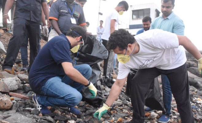 #SwachhBharat: Sachin Tendulkar, Aaditya Thackeray join hands in Narendra Modi's ambitious clean-up drive — WATCH