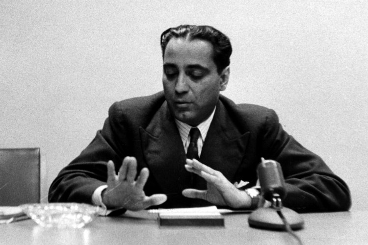 homi jehangir Almost two years after mehrangir – home to homi jehangir bhabha, the architect of nuclear science in india – was sold, the structure is being pulled down to make way for a multi-storeyed building.