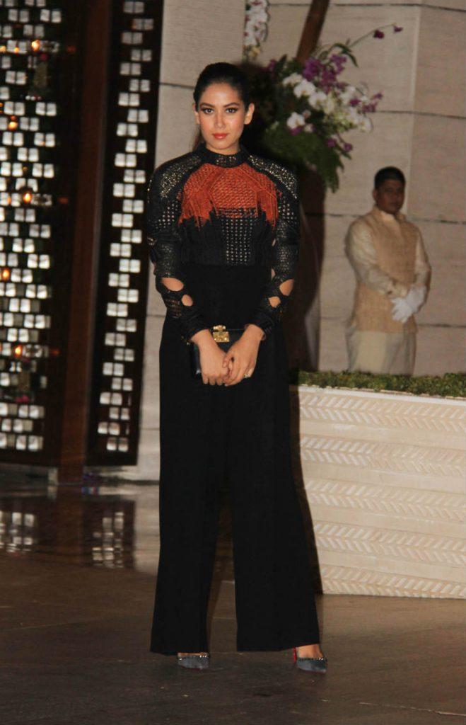 Mira Kapoor in a Saaksha and Kinni top