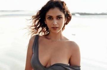 Aditi Rao Hydari hot and sexy photo