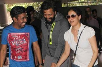 Genelia D'Souza and Riteish Deshmukh spotted pic