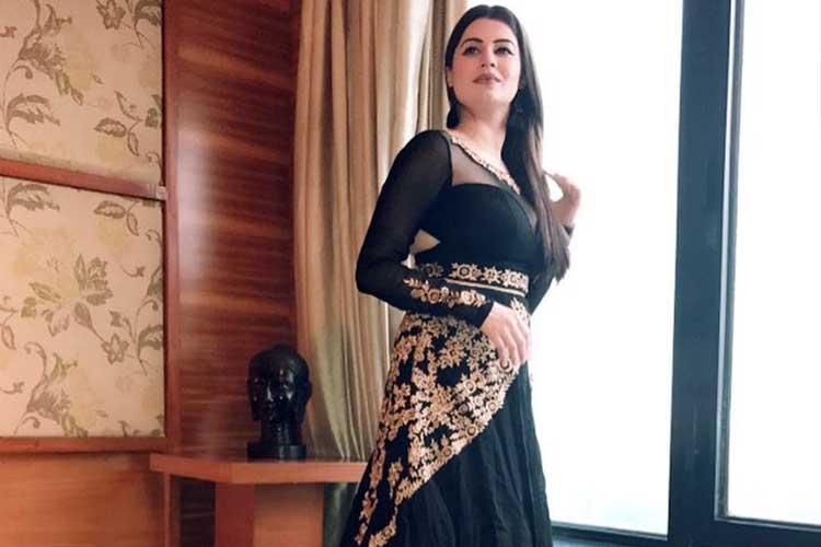 In Pics: Meet Divya Bharti's sister KainaatArora
