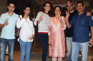 Kangana Ranaut goes on a dinner date with family pic