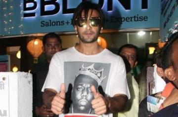 Ranveer Singh spotted in a new look