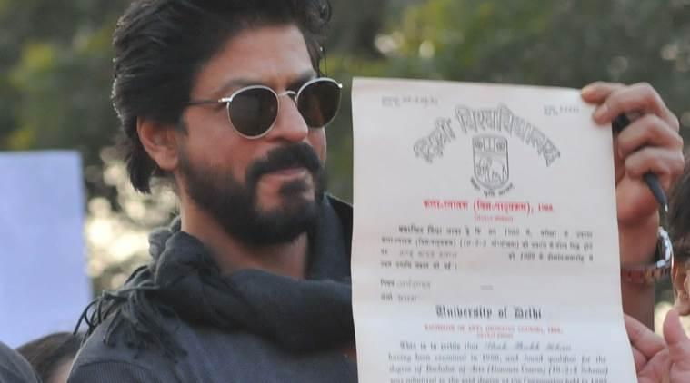 Shah Rukh Khan with his degree from Hansraj college (Courtesy: Indian Express), inuth.com