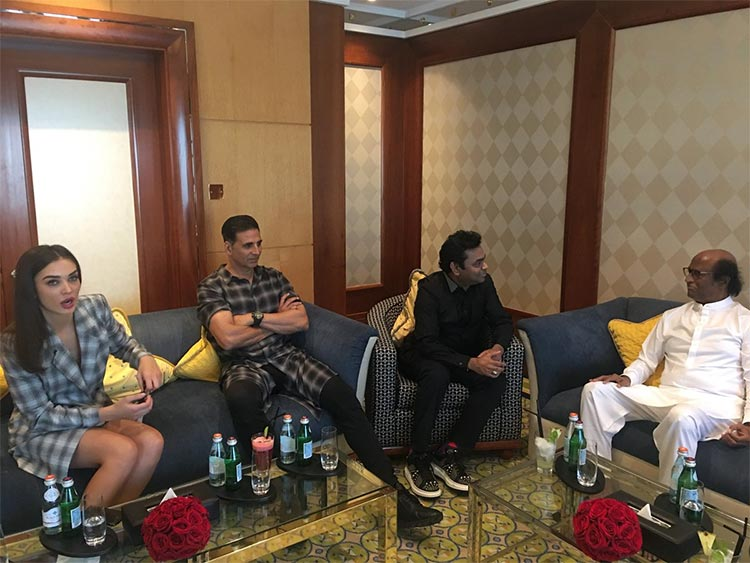 Team 2.0 after the press conference in Dubai