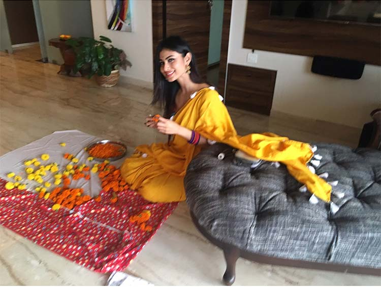 Mouni Roy's festive smile will leave you gushing