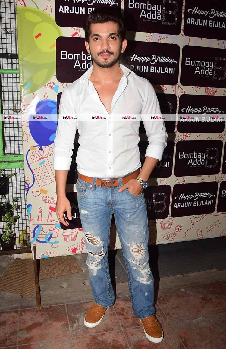 Arjun Bijlani birthday bash pics | Arjun Bijlani celebrating his