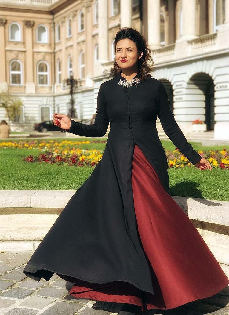 Divyanka Tripathi's elysian pic from Buda Castle Royal Palace is stunning