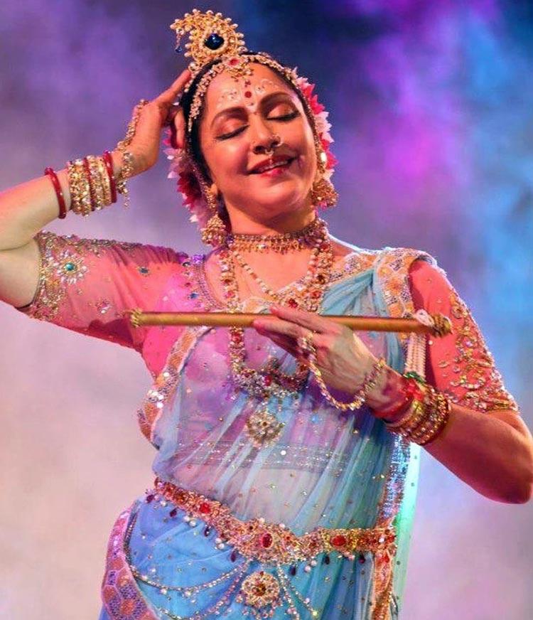 Hema Malini is a trained Bharatanatyam danseuse