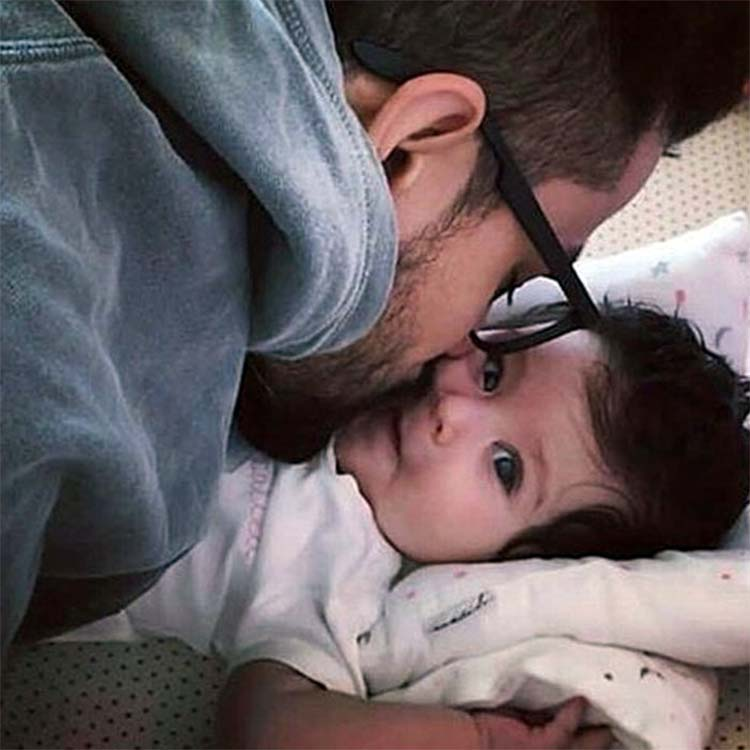 Kunal Kemmu spending some warm moments with daughter Inaaya Naomi