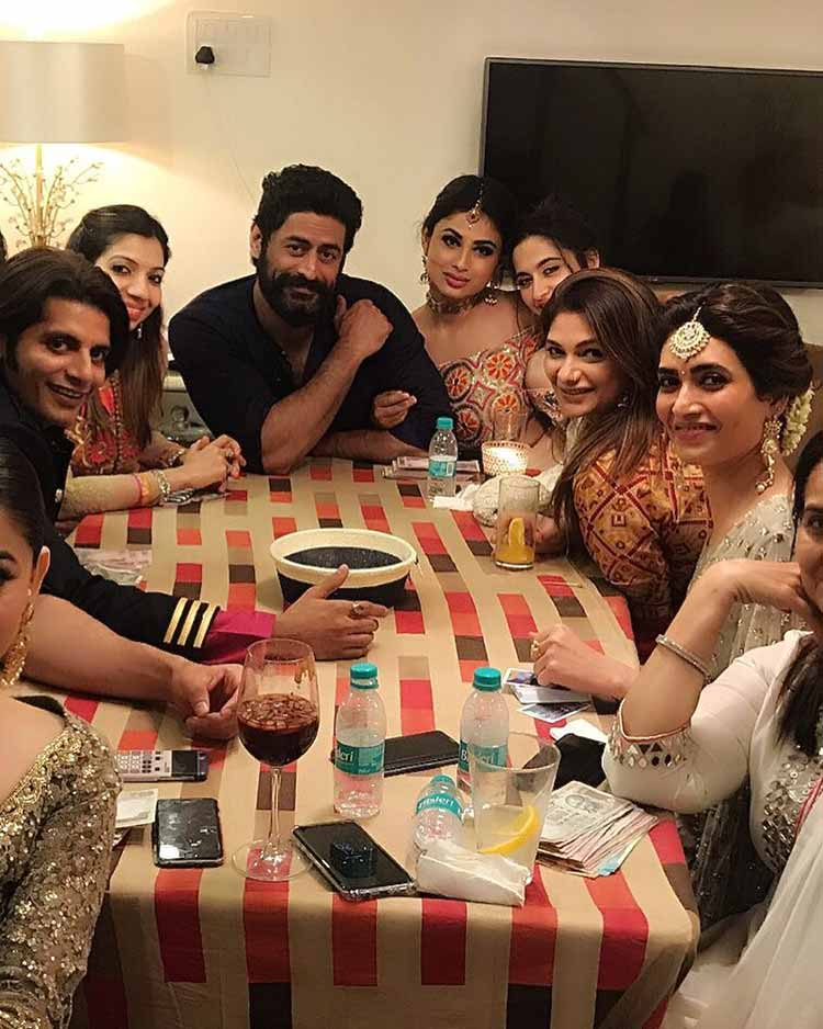 Mouni Roy and Mohit Raina are looking lovely in this pic