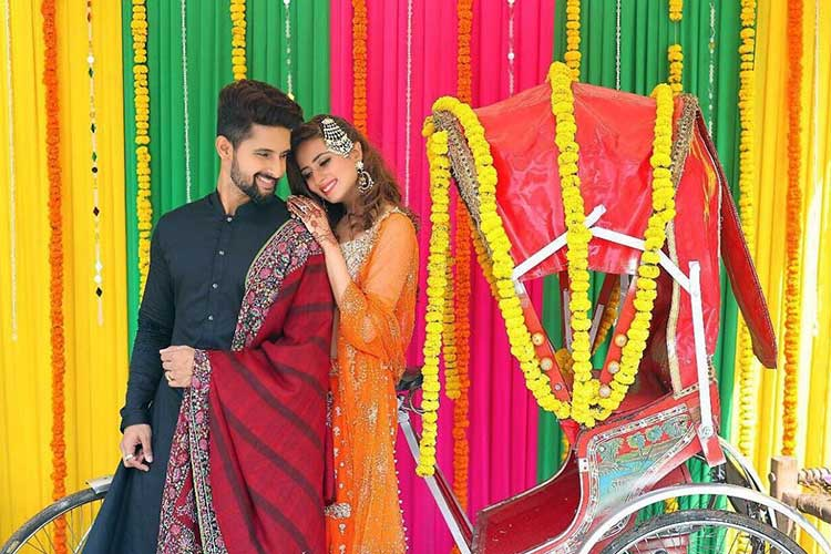 Sargun Mehta And Ravi Dubey Are Looking Perfect In This Pic