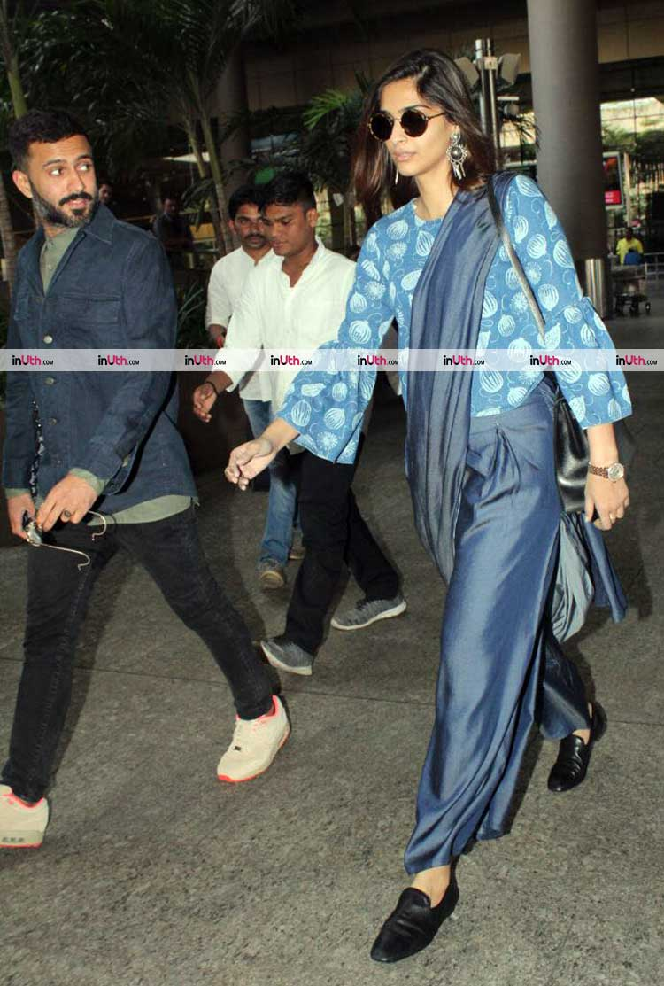 Sonam Kapoor spotted with Anand Ahuja at Mumbai airport