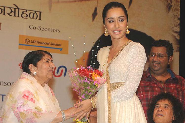 ata Mangeshkar, Shraddha Kapoor