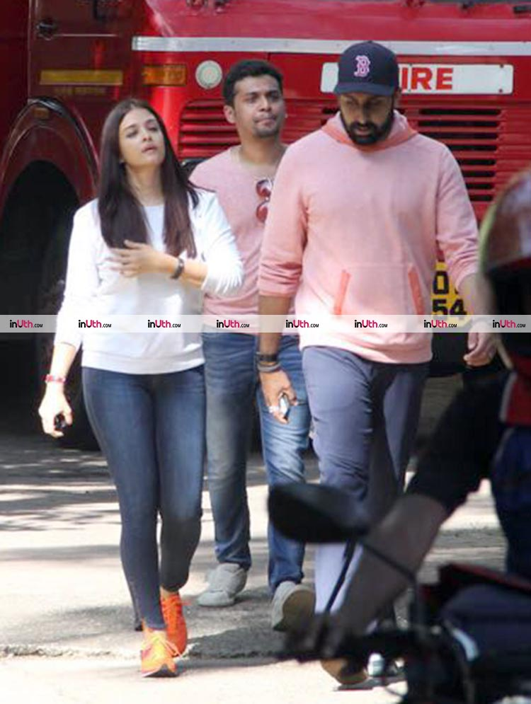 Aishwarya Rai and Abhishek Bachchan outside her mother's Bandra residence