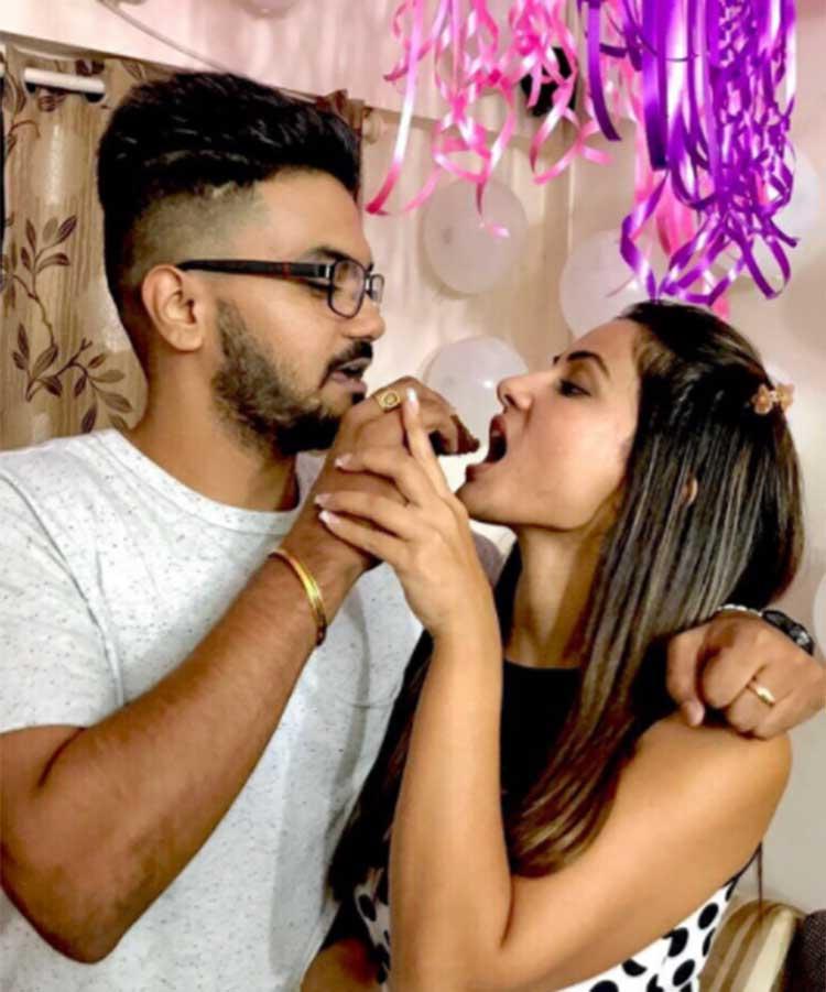 Hina Khan celebrating her birthday with boyfriend Rocky Jaiswal