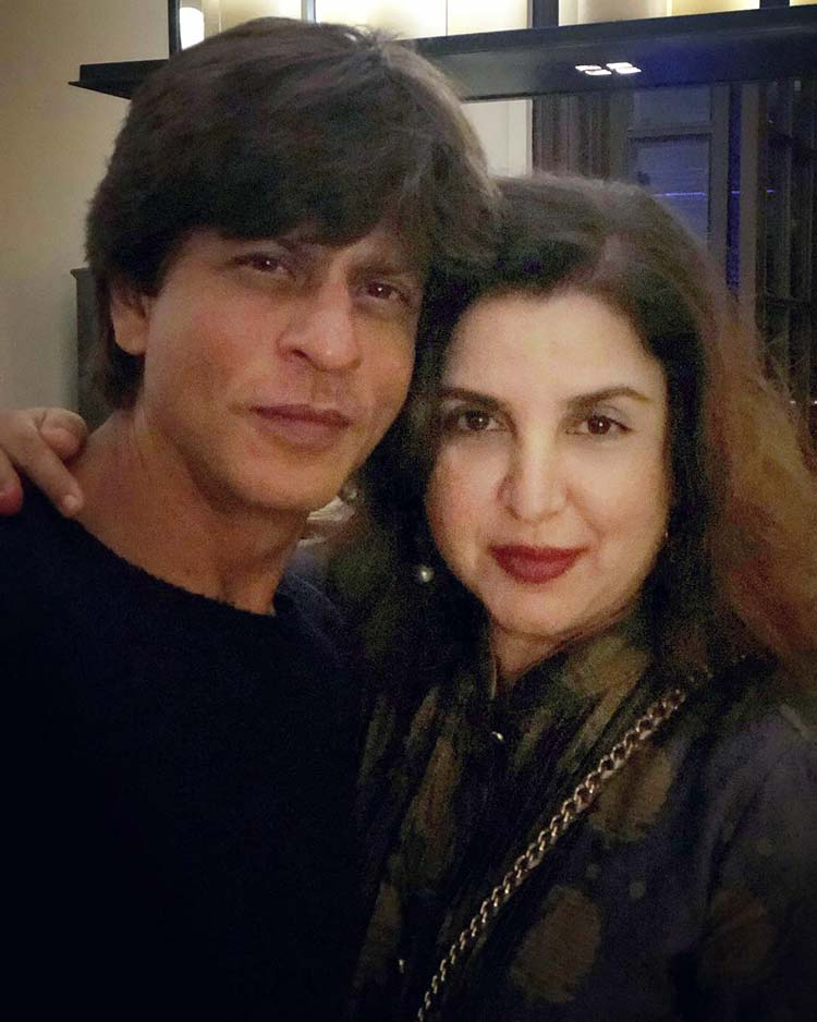 Shah Rukh with Farah Khan at the Diwali party