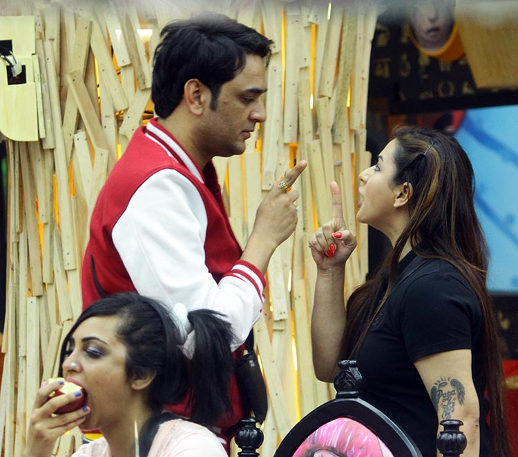 Shilpa Shinde and Vikas Gupta fight again on day 8 of Bigg Boss 11