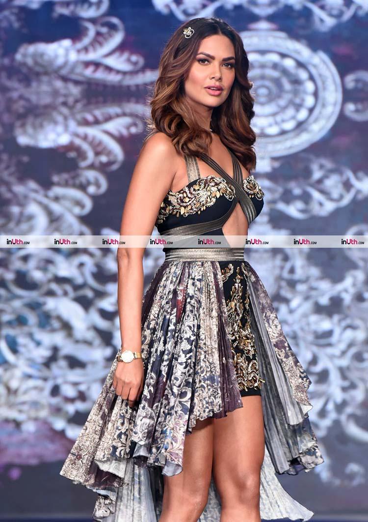 Esha Gupta's hot walk on the India Beach Fashion Week ramp