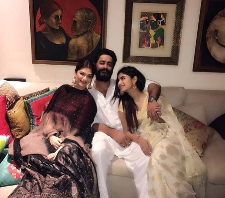 Mohit Raina and Mouni Roy look gorgeous in this pic from their Diwali celebration