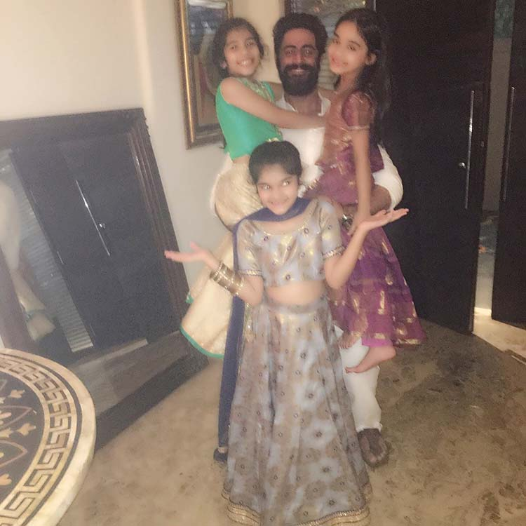 Mohit Raina celebrating Diwali with kids
