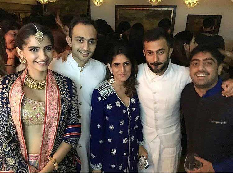 Sonam Kapoor and Anand Ahuja with their friends