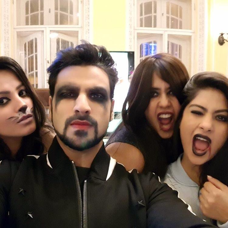 Vivek Dahiya's Halloween selfie with Yeh Hai Mohabbatein team