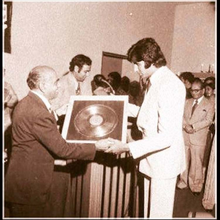 Amitabh Bachchan being honoured for his work