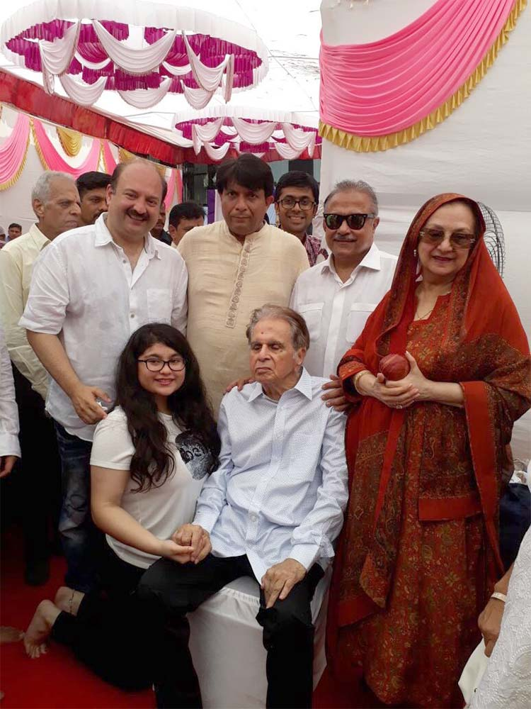 Dilip Kumar and Saira Banu on their wedding anniversary