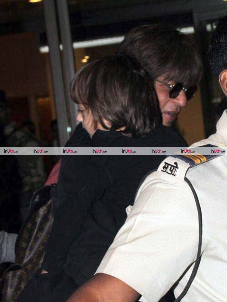Cute AbRam Khan with Shah Rukh at the Mumbai airport