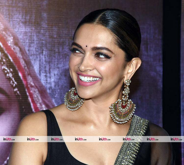 Deepika Padukone flaunting her celestial smile at Padmavati 3D trailer launch