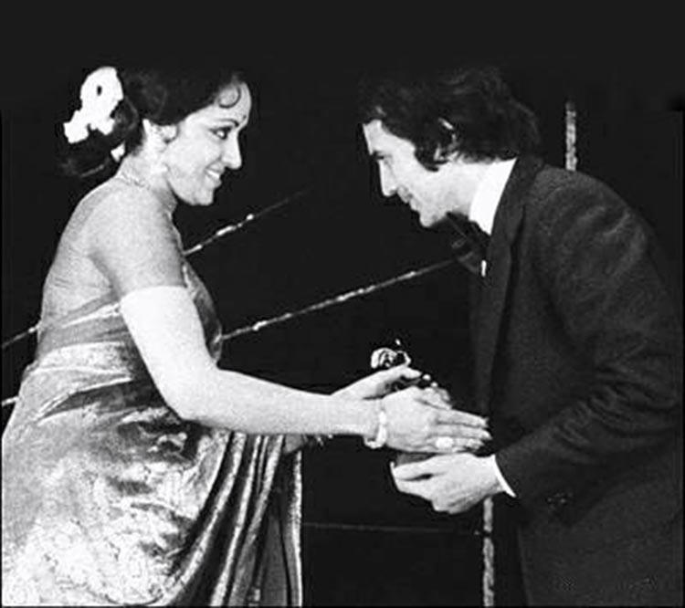 Hema Malini at an award ceremony