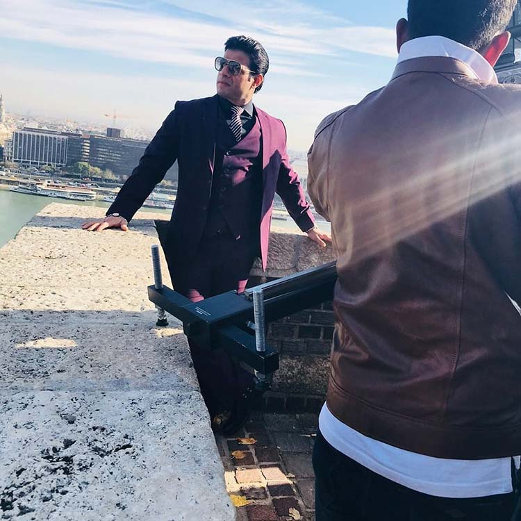 Karan Patel shooting for Yeh Hai Mohabbatein in Budapest
