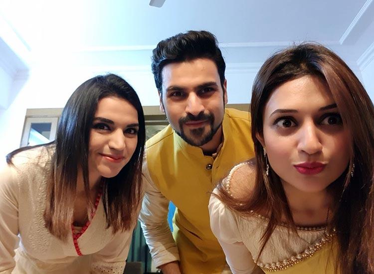 Divyanka Tripathi with Vivek Dahiya and his sister