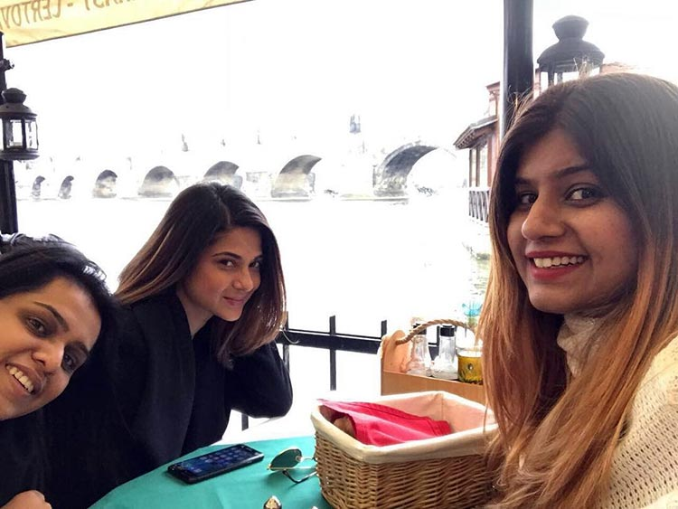 Jennifer Winget with her friends in Prague