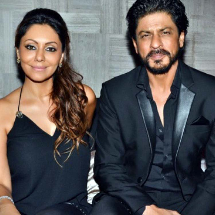 Wedding Anniversary special: Gauri and Shah Rukh Khan look super hot together