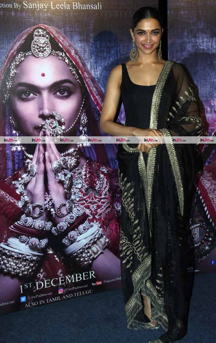 Gorgeous Deepika Padukone at Padmavati 3D trailer launch
